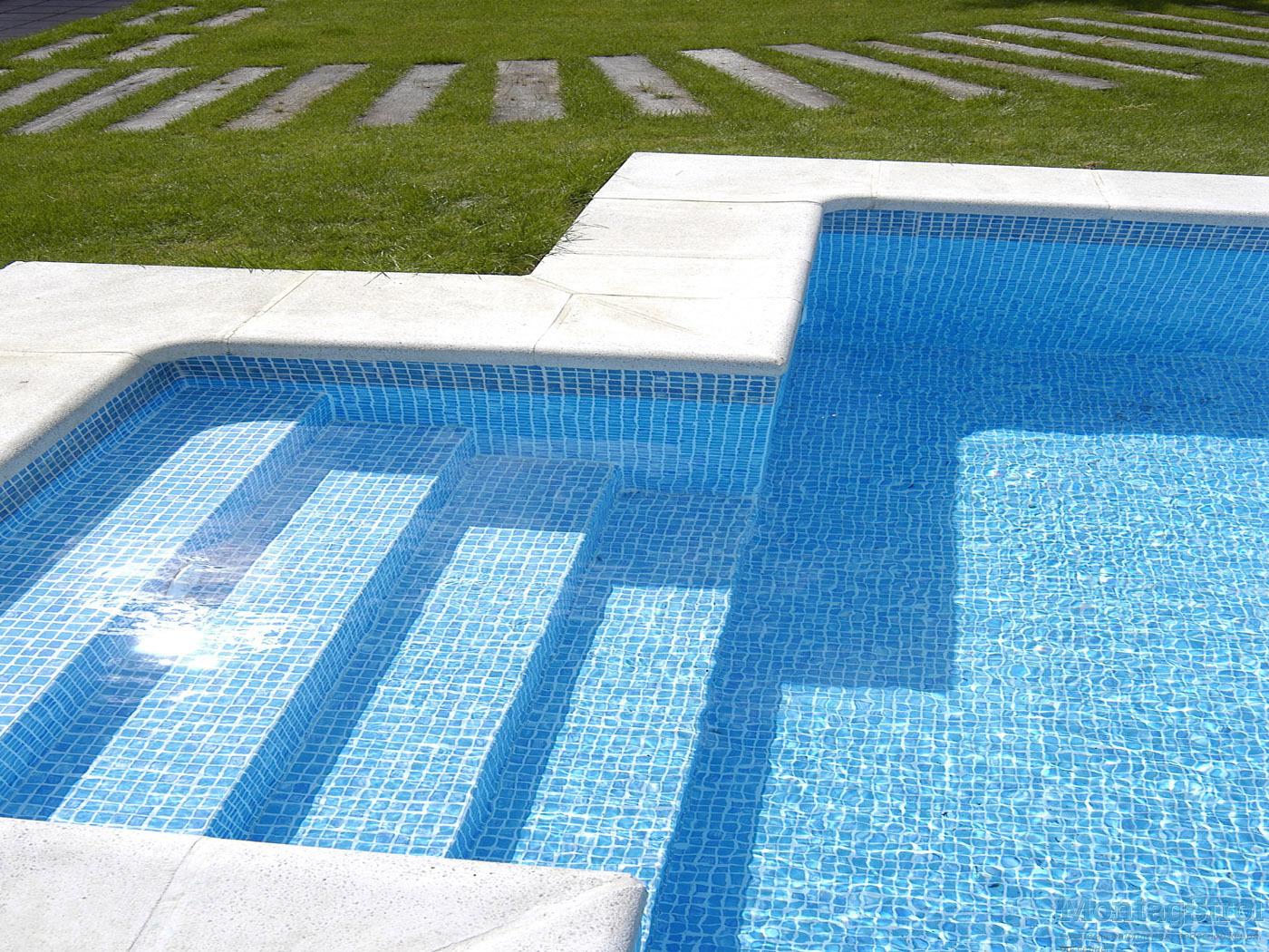 Elige correctamente el mosaico ideal para tu piscina